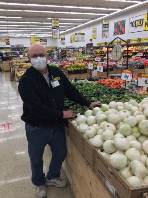 Lee Briggs, 10BOX produce manager in Springdale, AR.
